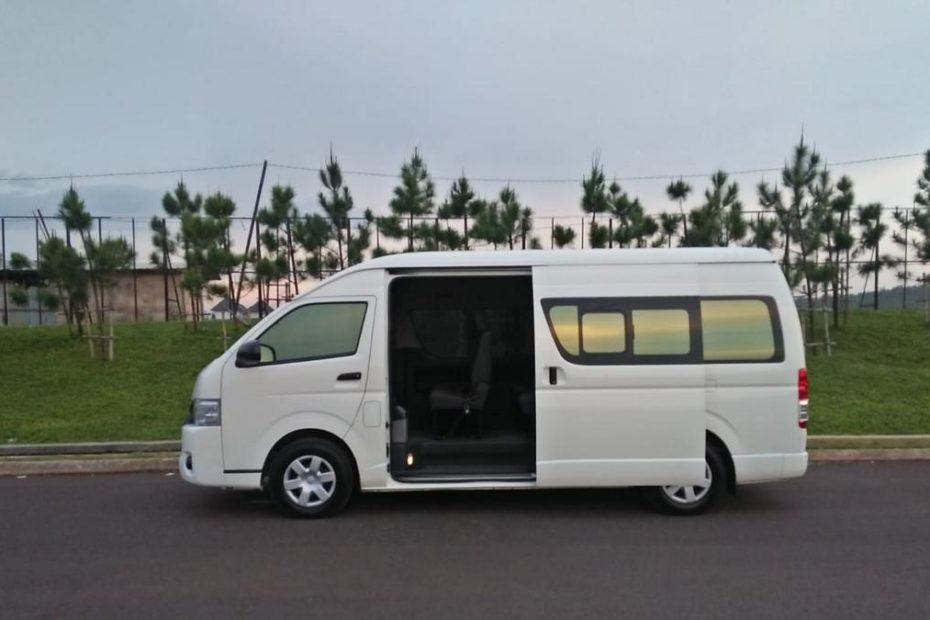 Rental Mobil Hi Ace Semarang