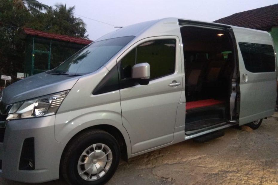 Sewa Mobil Toyota Hiace di Semarang